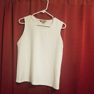 Tanjay white tank top size small.